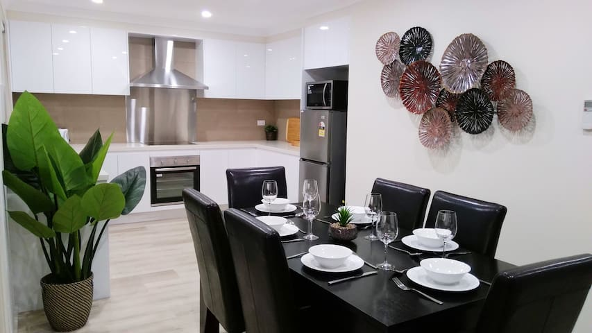 Newly Renovated Contemporary House in Singleton