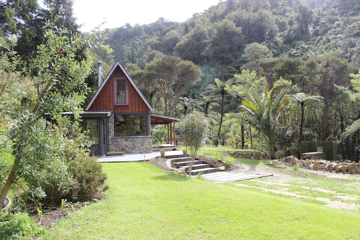 Golden Bay River Retreat