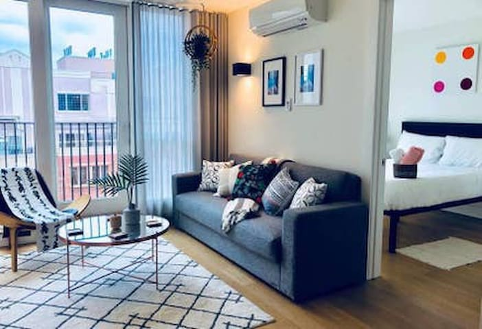 STYLISH TWO BEDROOM NEAR THE RIVER