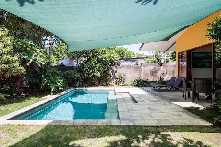 Nice 1 Bedroom Pool Villa on beach side Sanur