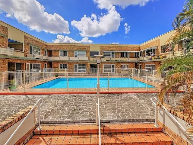 Classic central Brisbane apartment with a pool