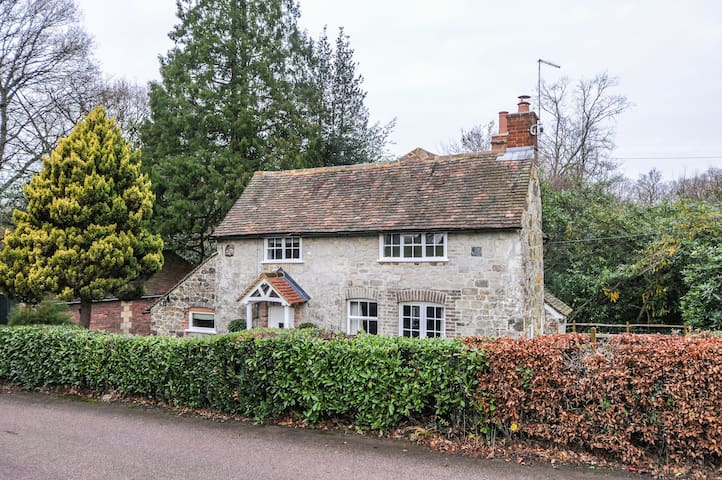 2 Stonedelph Cottage