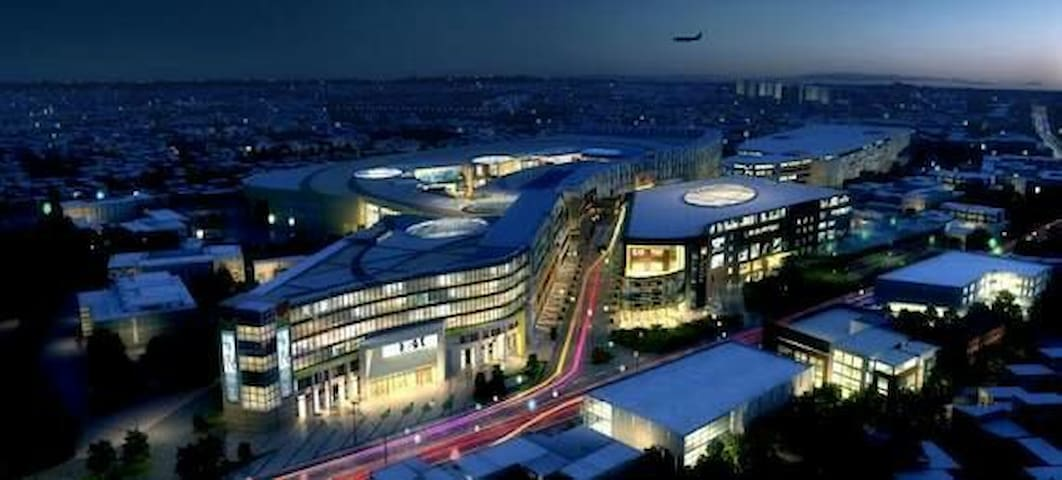 India's Largest Shopping mall Phynix Marketcity is 10 mins driving distance from our place.