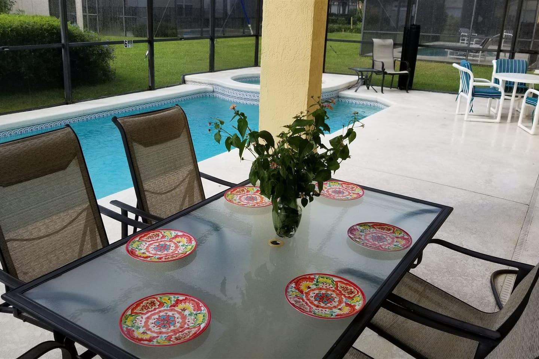 Villa Flor Pool and Spa