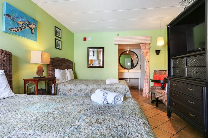 Stay In The Heart Of Downtown Tybee/Unit 114
