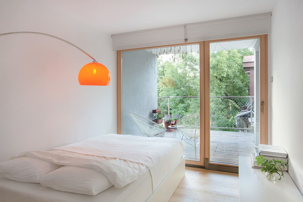 bedroom / balcony