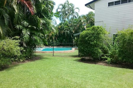 Fannie Bay - Double room with resort pool - Fannie Bay