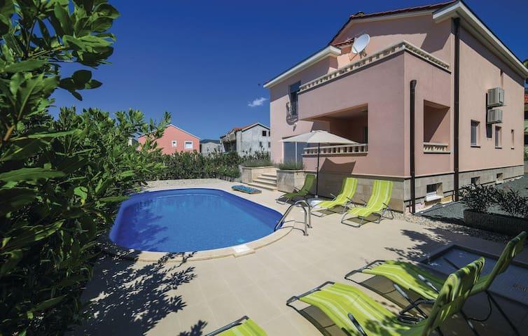 Luxury Villa Gulietta