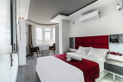 SİDE'DE HAVUZLU BUTİK HOTEL