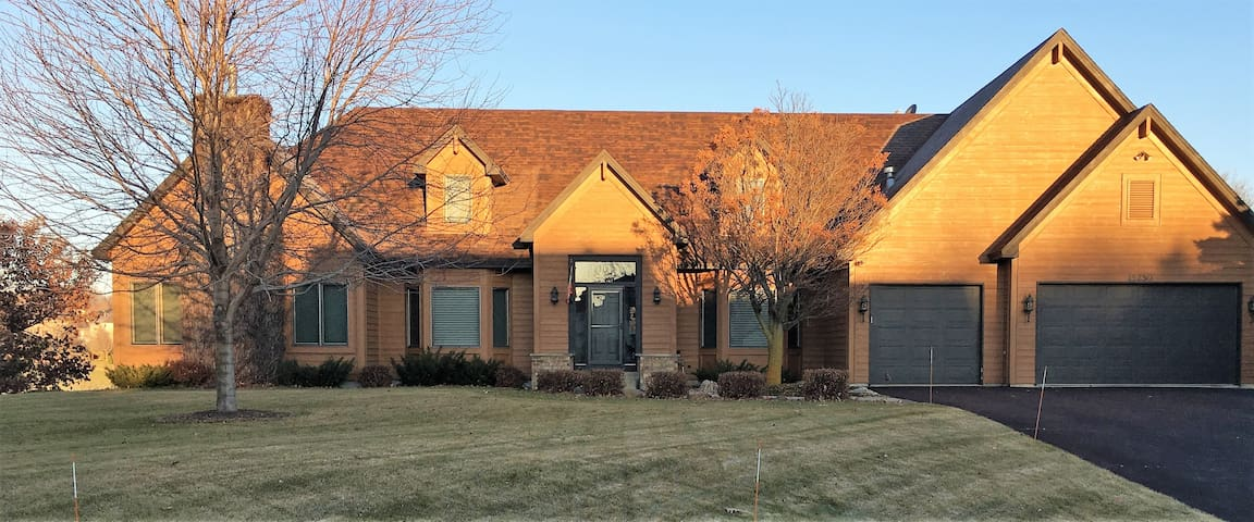 Apartment for rent for NCAA Tournament -Prior Lake