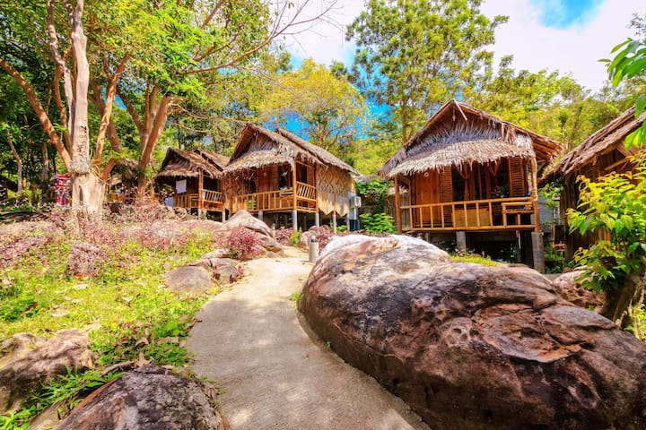 Cheap Bamboo Bungalow on Phi Phi Island!