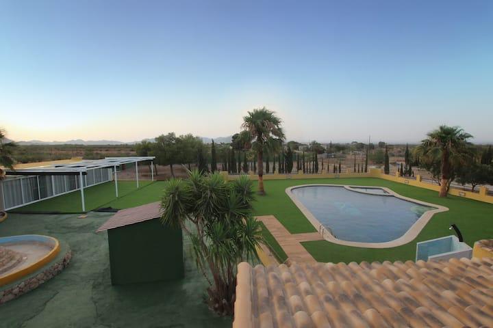 Habitación individual en finca rural con piscina