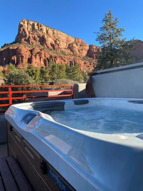 Stunning 1BR +Epic Rooftop Hot Tub with 360° views