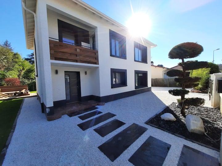 Chambre 2 dans Magnifique maison au sud de Pau