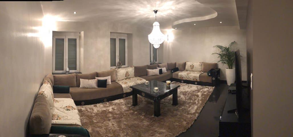 Superbe maison SPACIEUSE ET LUMINEUSE + JARDIN
