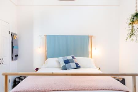 Light-Filled Scandinavian Studio in Carlton North