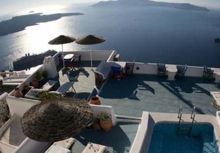 Apartments in Firostefani- sunrise - Thira