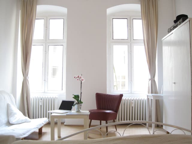 bright, quiet and close to the center! - Berlin - Apartemen