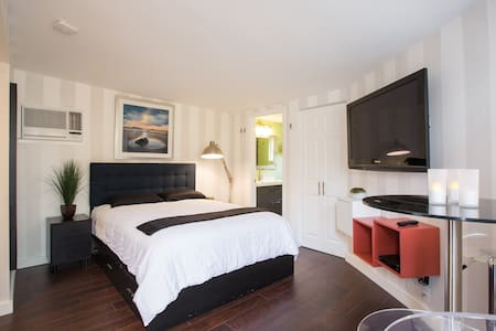 Fully Furnished Private Studio - Fort Lauderdale - Ház