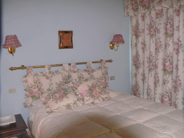 Doppia in residenza di campagna - Loppeglia-fiano - Bed & Breakfast