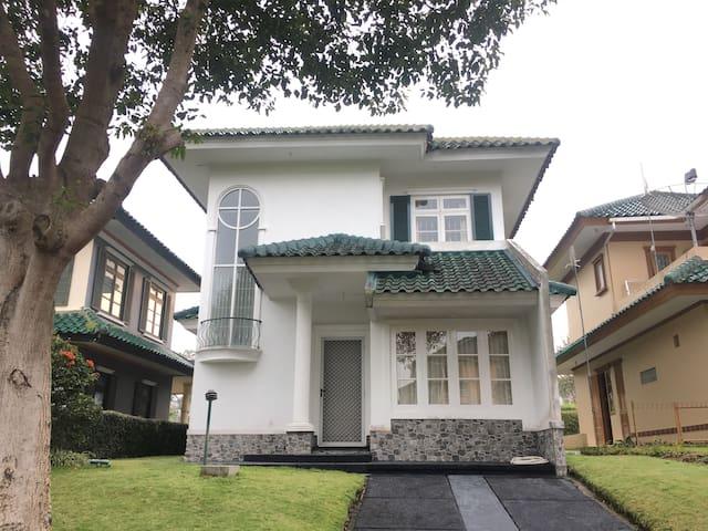 Villa Puncak Resort Gn. Tretes 3