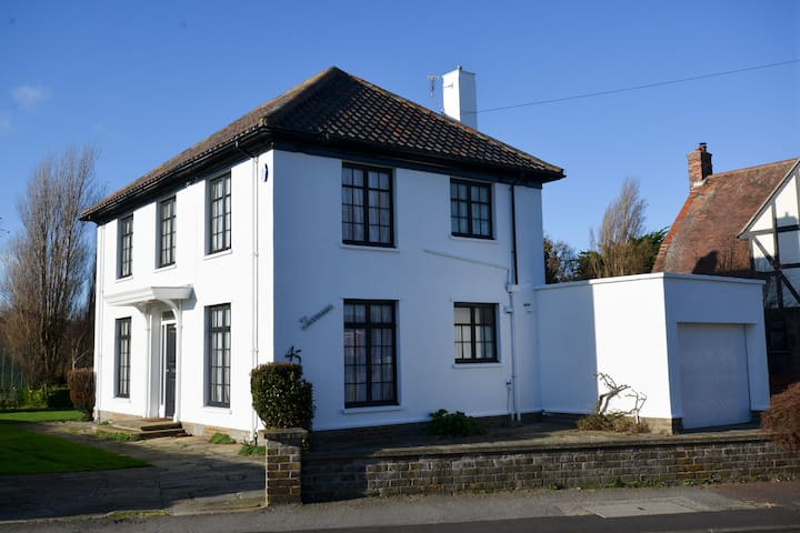 Period Family House by the beach - Walton on the Naze - House