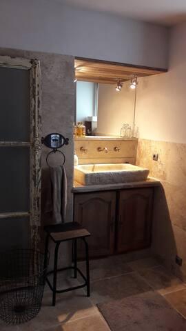 Badkamer  St Emilion in natuursteen