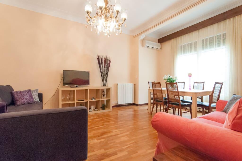 Huge apartment in sagrada familia appartamenti in for Appartamenti barcellona affitto economici