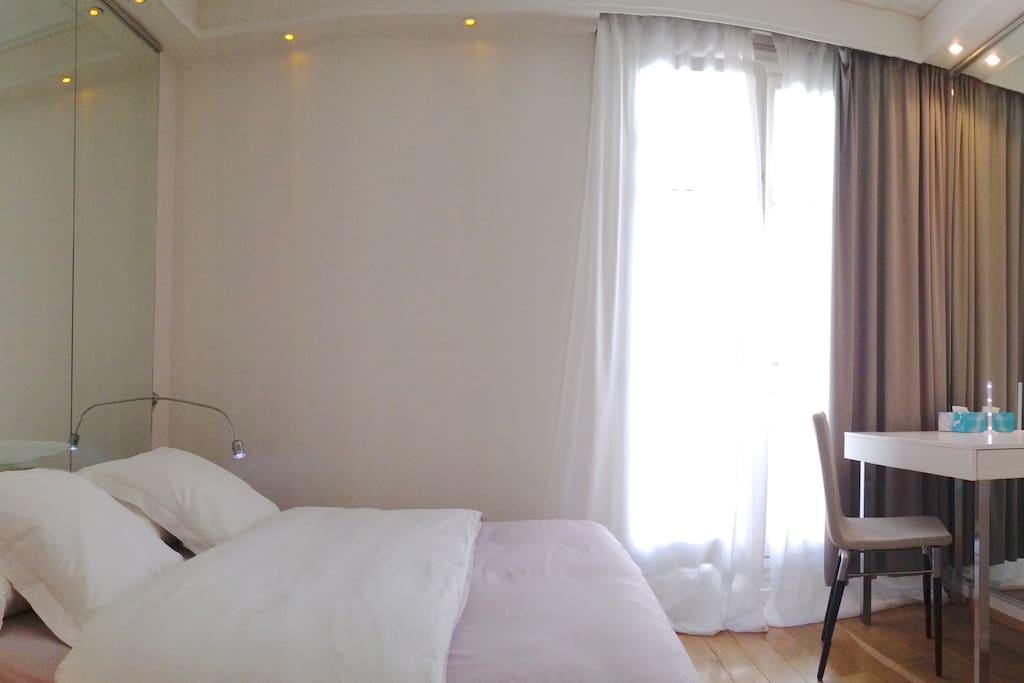 Bedroom, Next to the Plaza Athenee
