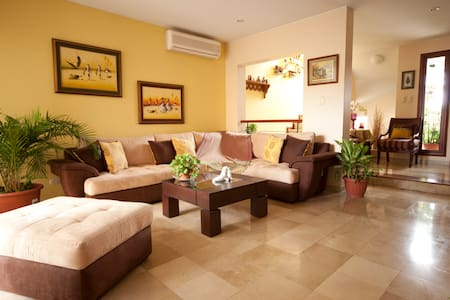 Maggie's house, pvt/br and bath - Guayaquil