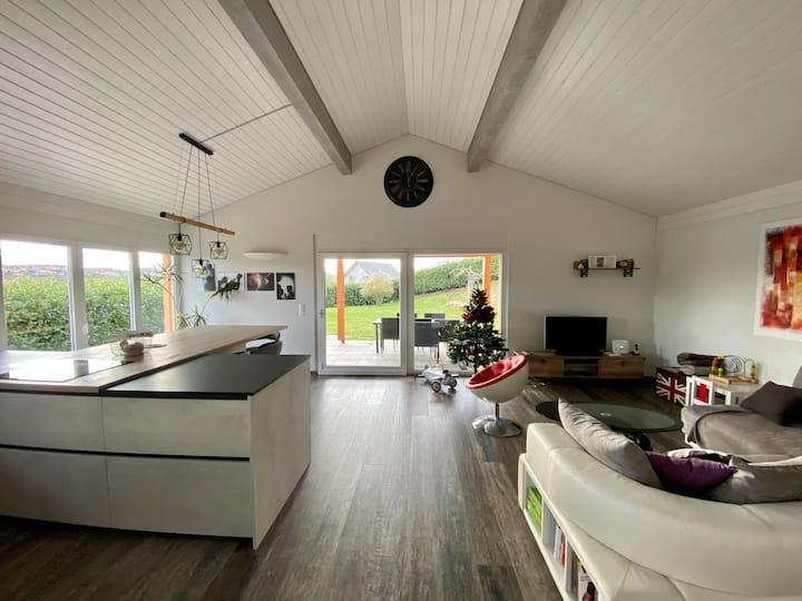 Maison moderne rénovée et spacieuse à 5mn du Lac