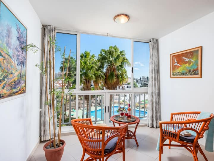 Y3G.LOVELY APARTMENT POOL VIEW!! Close to beach