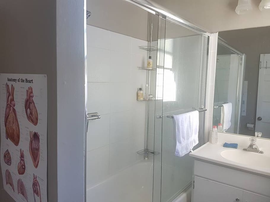 Gigi's private bathroom