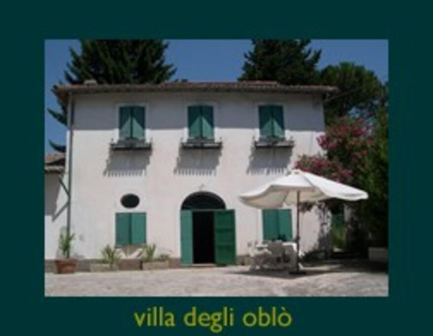 Facciata di Villa degli Oblò