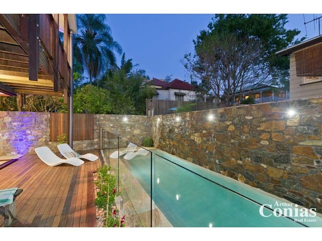 Stunning inner city accommodation - Brisbane - House