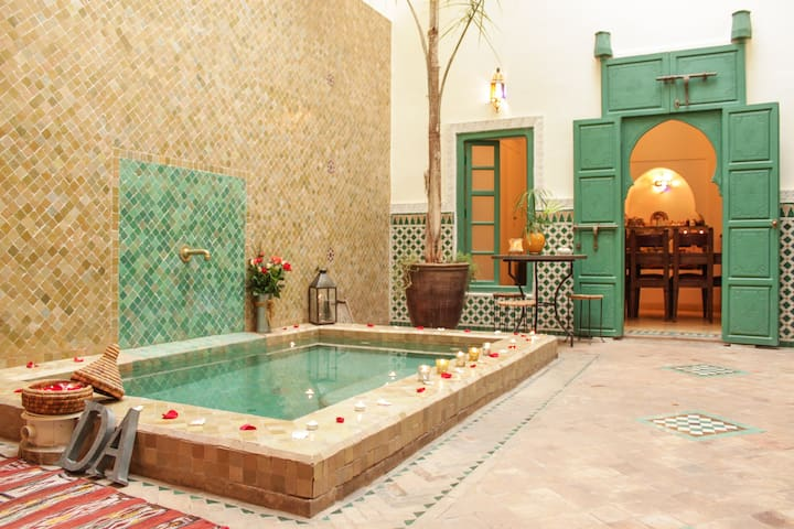 YOUR PRIVATE 3 BEDR. RIAD, AN EXCLUSIVE RENTAL! - Marrakesh - Huis