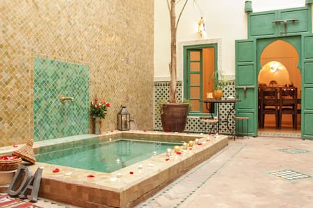 ►Dar Ahwach, privatized rental: 1 to 3 bedr. riad