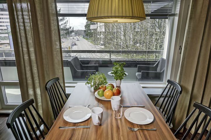 Stylish 1-bedroom apartment in Tapiola area with good traffic connections