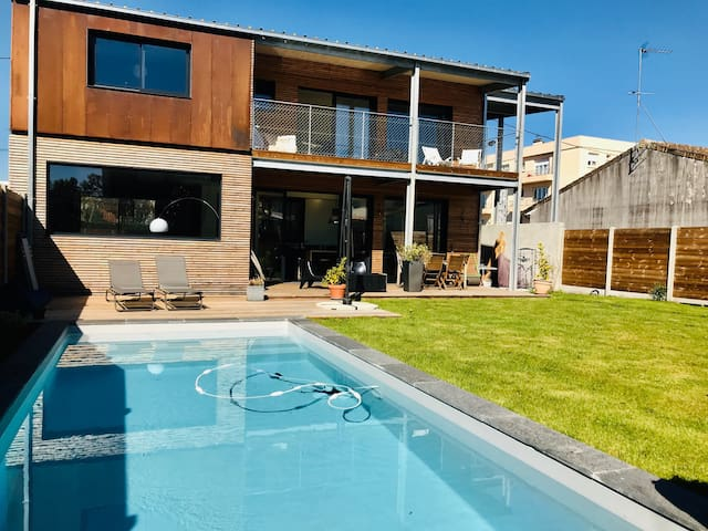Architect house 3 bedrooms with pool.