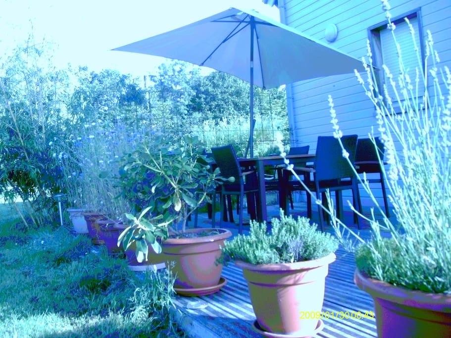 3 terrasses dont une couverte et un solarium