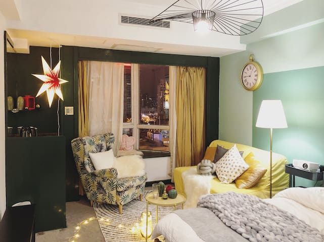 2 mins to metro station【K&T House】near The Bund