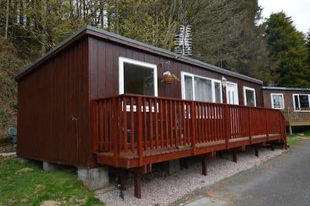 Y Bwthyn, Chalet B, Plas Panteidal - Gwynedd