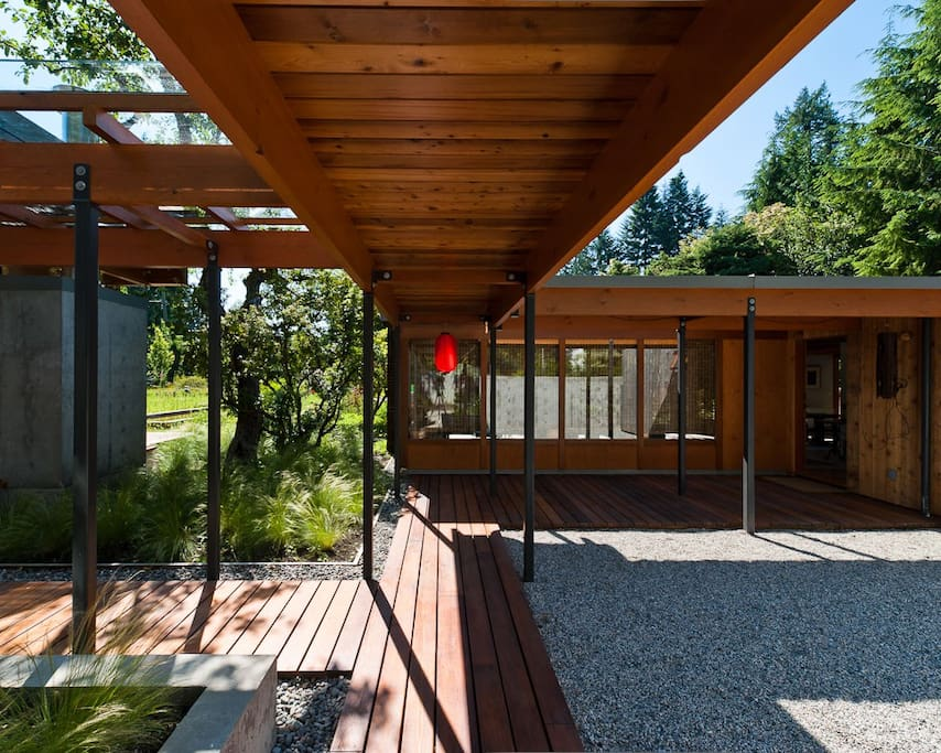 Coast Modern House Bungalows For Rent In West Vancouver