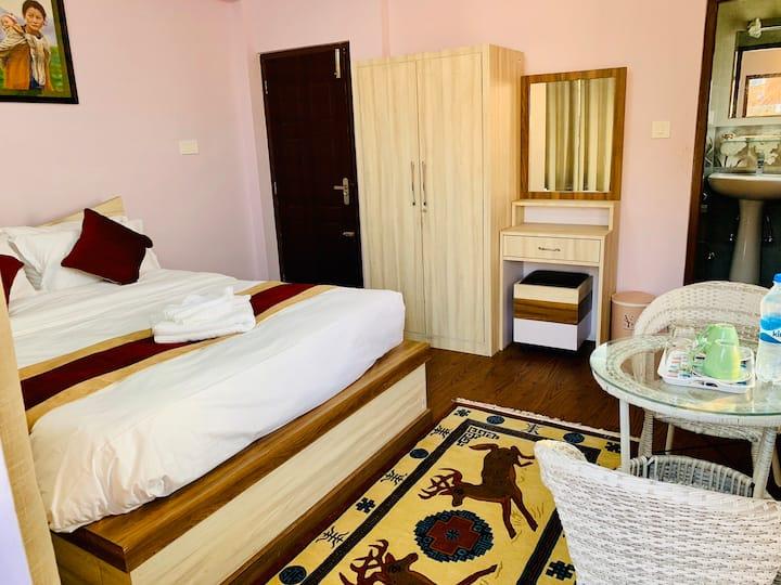 Sherpa Sweet Home-deluxe room in Kathmandu