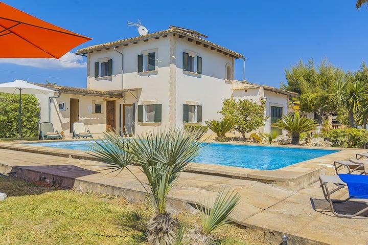 Finca Ca Na Sota: Nice finca with garden and pool