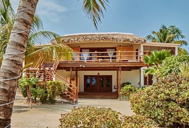 Huge Ambergris Caye beach home with stunning views