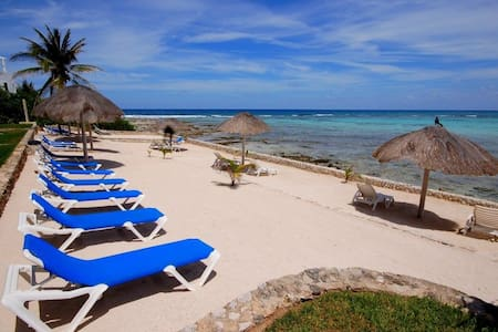 Beachfront 2 BR with Modern Ameniti - Akumal - Flat