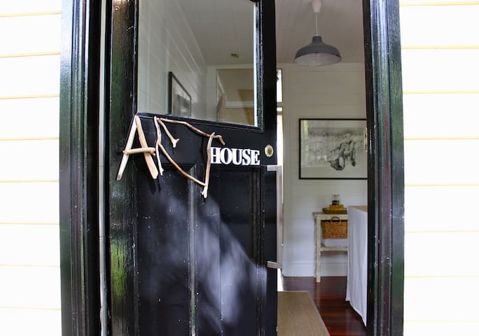 The Art House - Leura - Huis