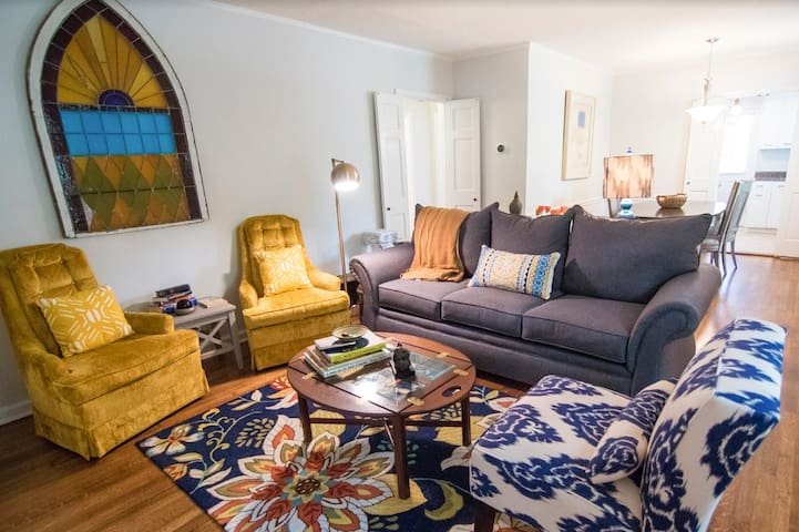 ✯3 Units✯Private Patio✯Near UofM✯Equipped Kitchen
