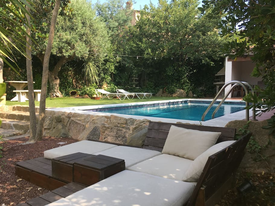 Garden views: chill out area and swimming pool